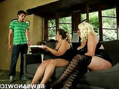 Pizza guy dominated by horny bbws