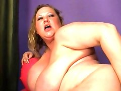 Chubby chick prefers hot sperm in her..