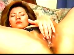 Sexy pretty japanese milf\'s hot cunt..