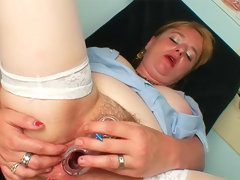 Chubby nurse gives self gyno exam
