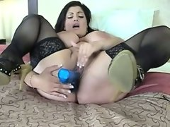 Dolly busty arab solo